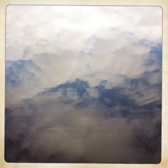 molnen badar i sin egen dimma