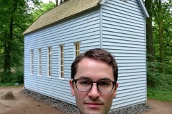 "Johan tar selfie vid Robert Wilsons ""A House for Robert Denby"" (2000)"