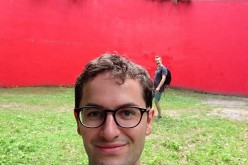 "Johan tar selfie med Gloria Friedmans ""Stigma"" (1991)"